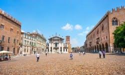 italia   mantova   piazza sordello