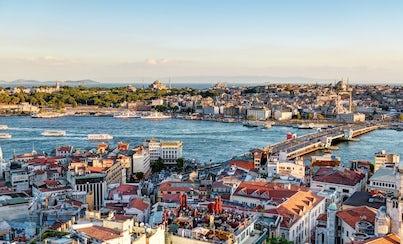 Ver la ciudad,Ver la ciudad,Ver la ciudad,Actividades,Visitas en autobús,Visitas en barco o acuáticas,Actividades acuáticas,Crucero por el Bósforo