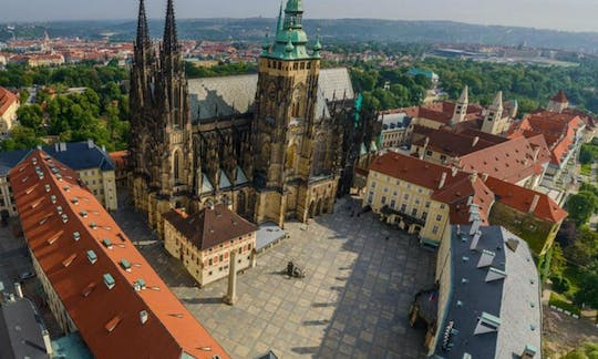 Prague Castle and Royal District: Guided Tour with a Historian