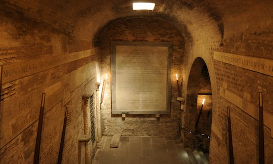 Underground Rome Private Tour of Basilica of San Clemente and Roman Complex Houses