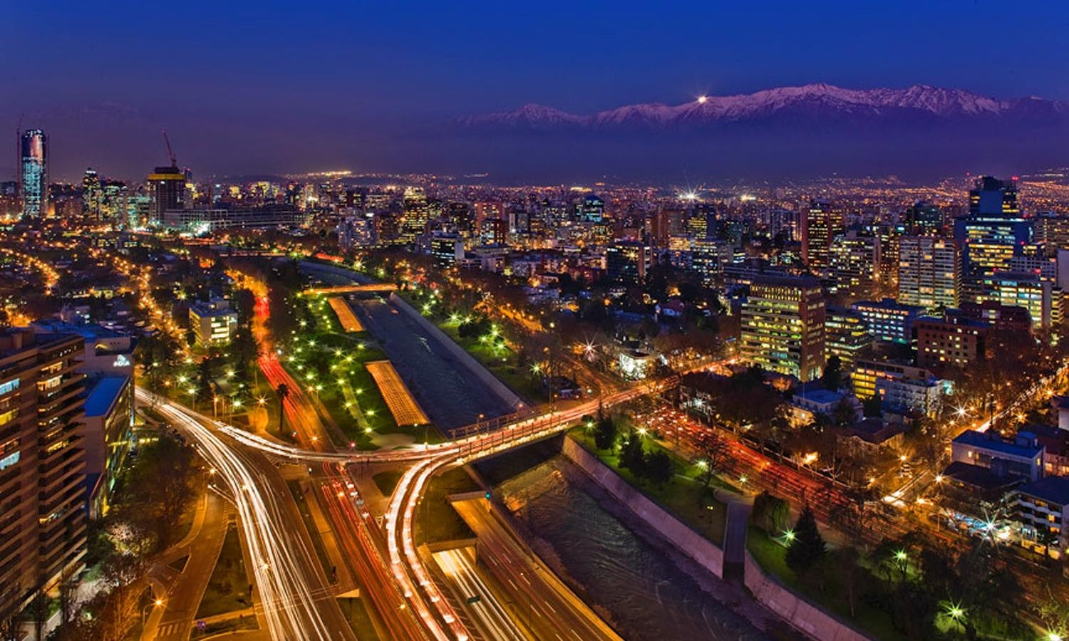 Santiago de Chile Sightseeing by Night Tour with Dinner