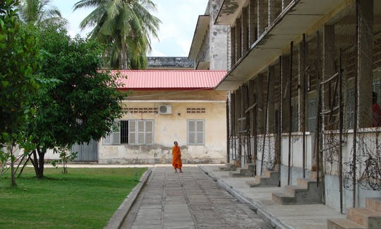 Phnom Penh's Past Tour