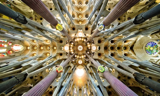 Sagrada Familia and Gaudí tour with fast-track entrance