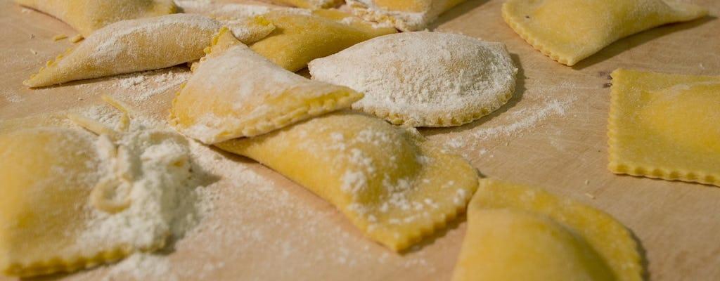 Taller de pasta italiana con cena y bebida a cargo de un chef local
