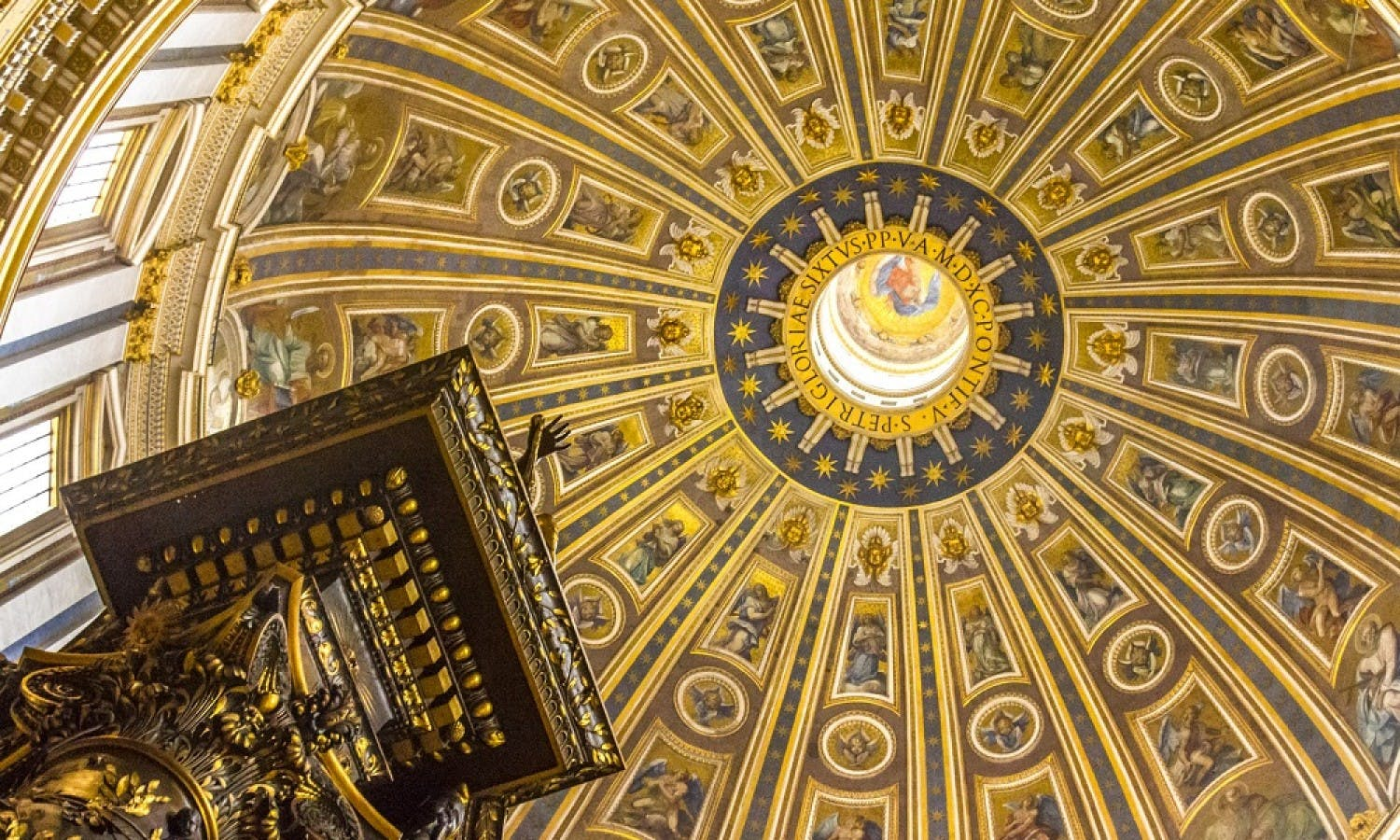 Saint Peter's Basilica self guided tour with fast-track entrance