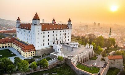 Ver la ciudad,City tours,Visitas en autobús,Bus tours,Excursión a Bratislava,Excursion to Bratislava