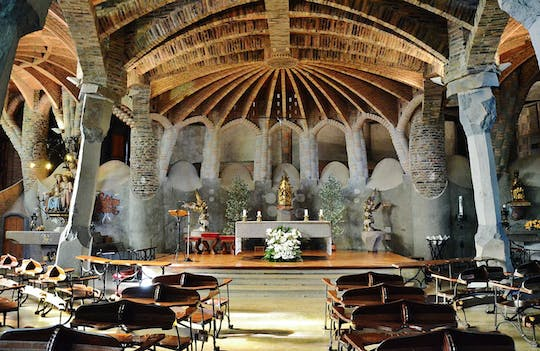 Colonia Güell and Gaudí Crypt: tickets and visit with audio guide
