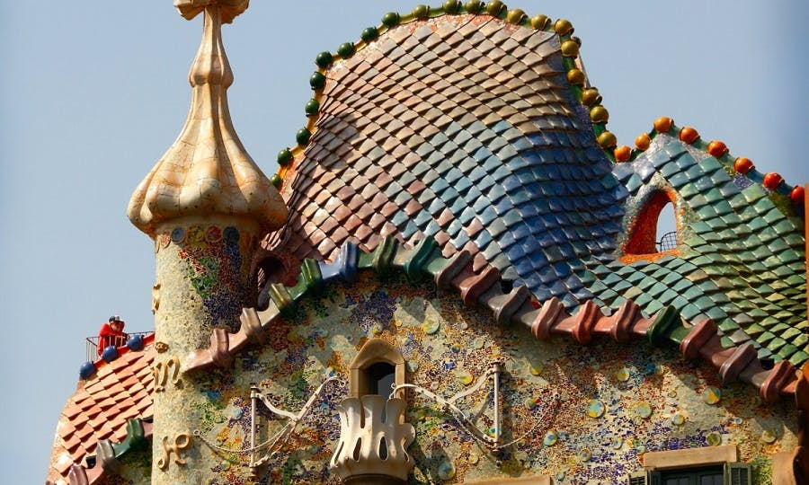 the best of gaudí walking tour in the heart of barcelona