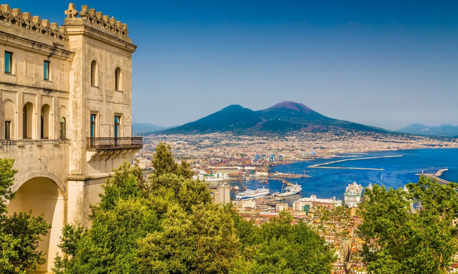 Naples historic center walking tour