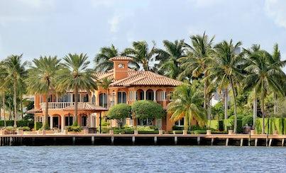 Ver la ciudad,Ver la ciudad,Actividades,Visitas en autobús,Visitas en barco o acuáticas,Actividades acuáticas,Excursión a Miami