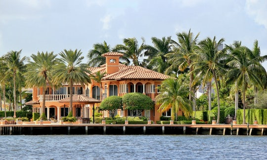 Miami tour with celebrity homes cruise and roundtrip transportation from Orlando