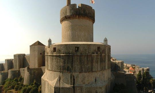 Visite à pied autour des murs de la ville de Dubrovnik
