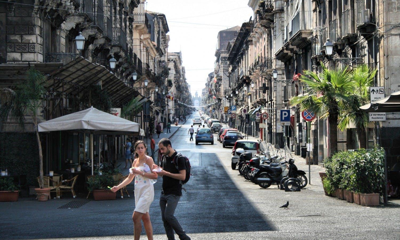 Gastronomía,Comidas y cenas especiales,Tours enológicos,Tour por Catania
