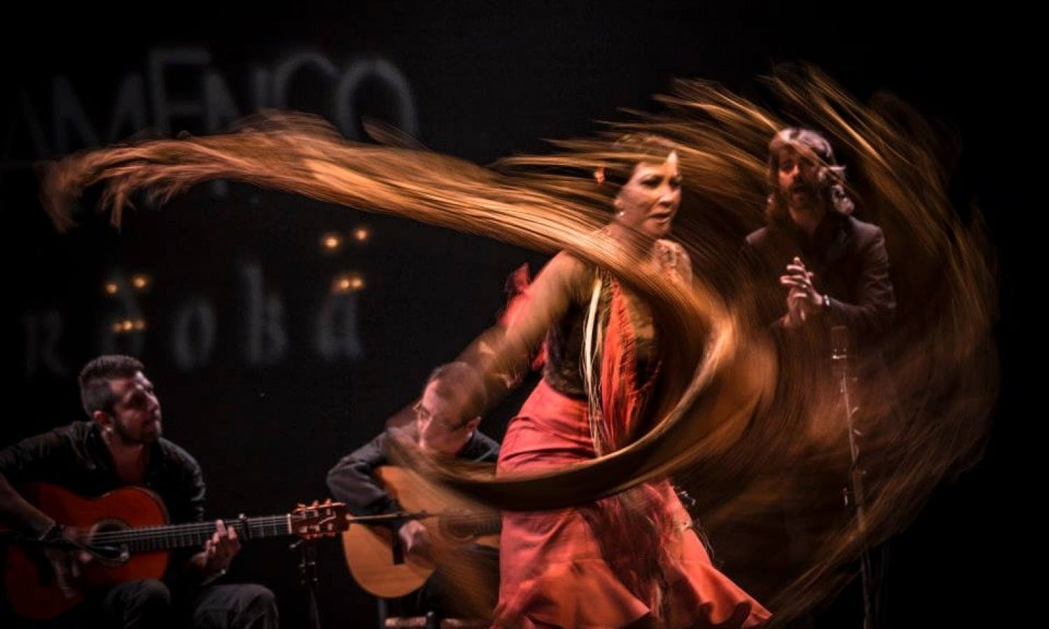 Cordoba Flamenco Experience: guided tour with flamenco class, show and dinner