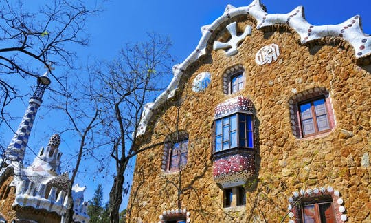 Park Güell and the Sagrada Familia morning guided tour