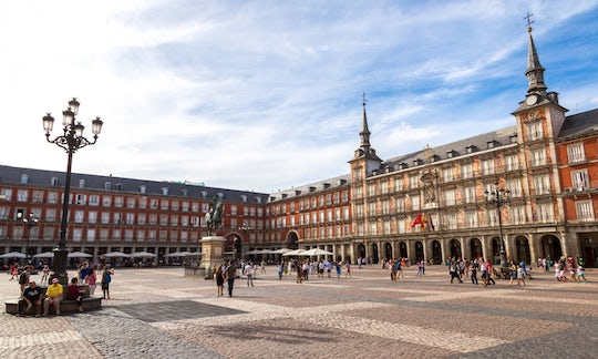 Private guided tour of Habsburgs Madrid