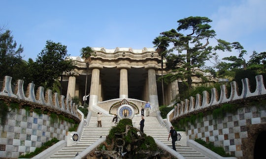 Park Güell and Sagrada Familia fast-track tickets and guided tour