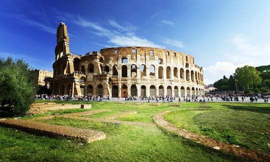 Colosseum, Roman Forum and Palatine tour with Vatican Museums upgrade