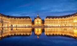 la bourse in bordeaux, the water mirror by night
