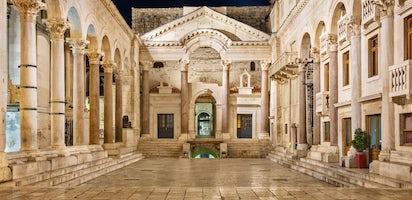 Risultati immagini per spalato palazzo di diocleziano