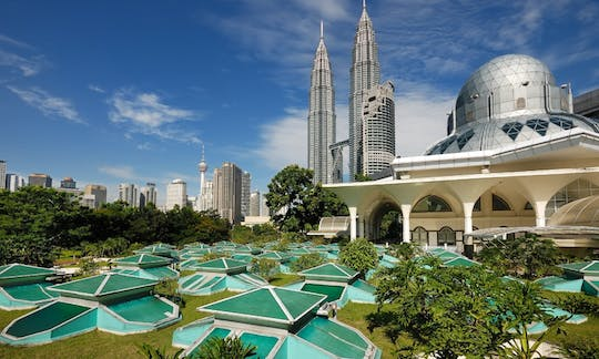 Kuala Lumpur city exploration private half-day tour