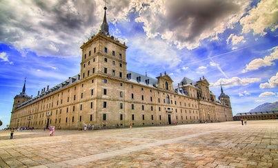Salir de la ciudad,Excursions,Excursiones de un día,Full-day excursions,Palacio Real,Royal Palace,Excursión a El Escorial,Excursion to El Escorial,Excursion to Valley of the Fallen