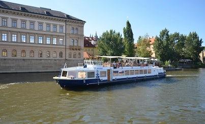 Ver la ciudad,Actividades,Visitas en barco o acuáticas,Actividades acuáticas,Crucero por el río Moldova,Con almuerzo incluido