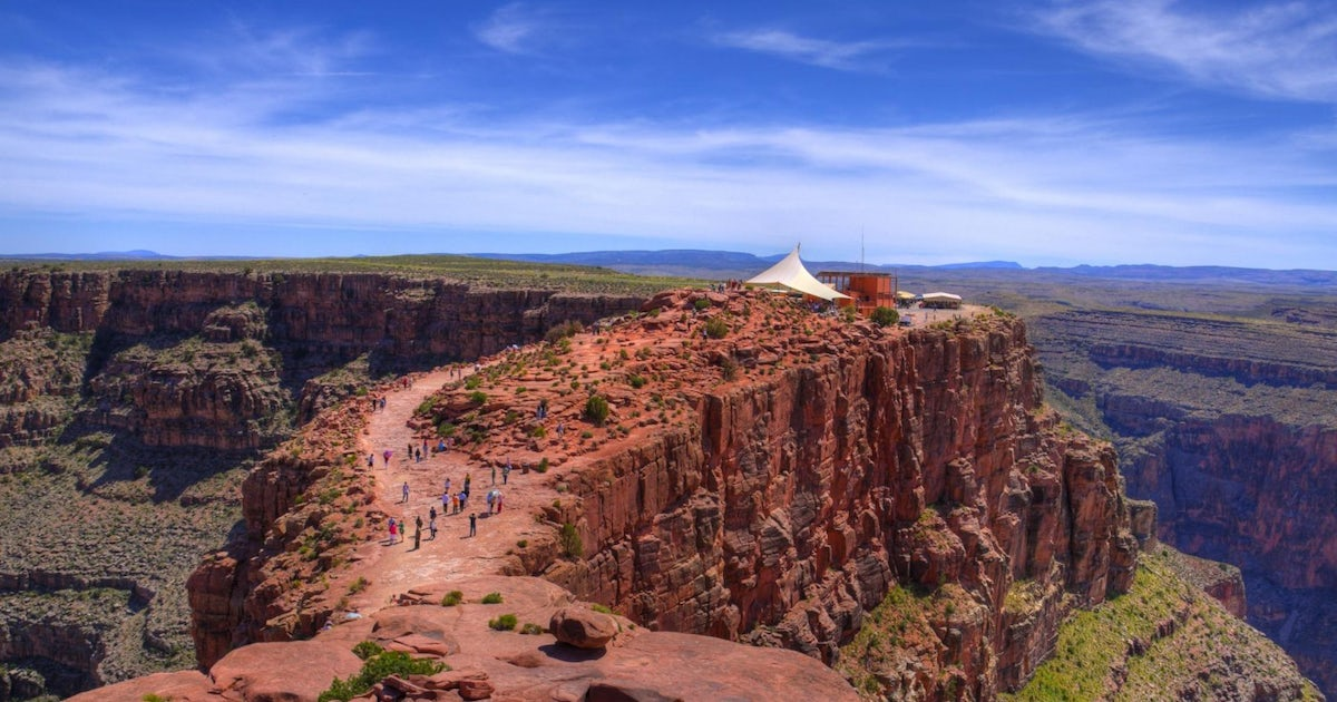 Grand Canyon West Rim Bus Tour With Helicopter Boat And Skywalk Tickets