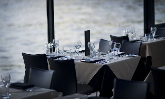 Thames River Sunday lunch cruise with live jazz