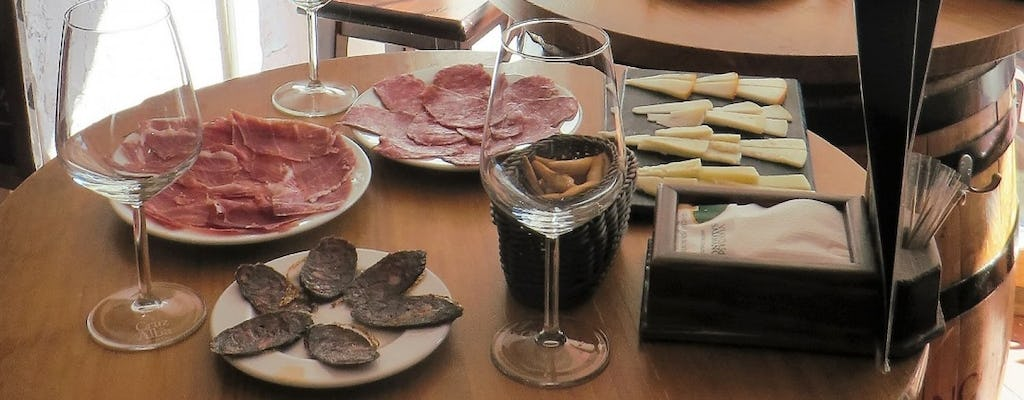 Guided walking tapas and historical tour in Madrid