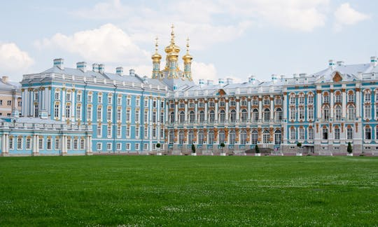 Small-group tour of Tzar's Village and Catherine's Palace from Saint Petersburg