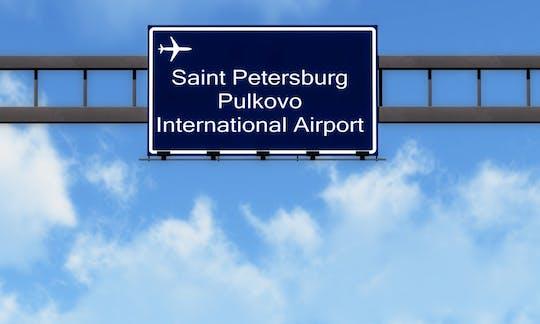 Trasferimento di sola andata o andata e ritorno dall'aeroporto o dalla stazione di San Pietroburgo