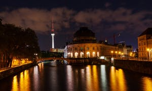 Berlin TV Tower: Special S Ticket Evening Visit With Sparkling Wine