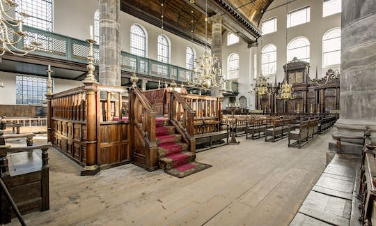 Amsterdam in the Golden Age: the Portuguese Synagogue