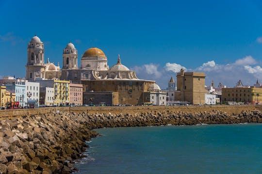 Tour de tapas gourmet e degustação de vinhos em Cádiz