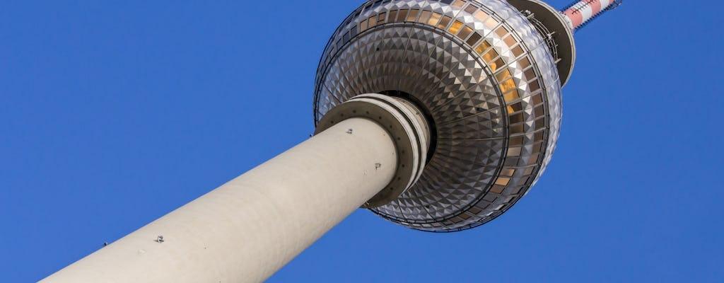 Entradas sin colas para la Torre de la TV de Berlín y mesa con ventana en el restaurante