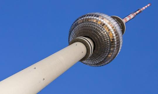 Torre TV di Berlino: biglietto salta fila e ristorante con tavolo alla finestra