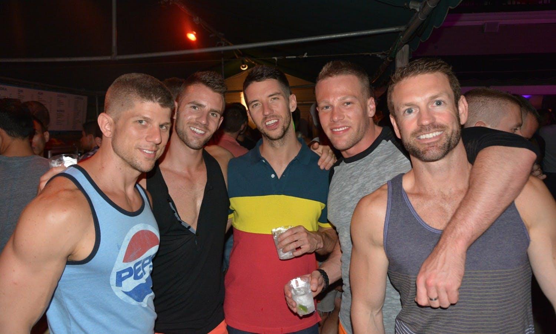 beaches honolulu gay