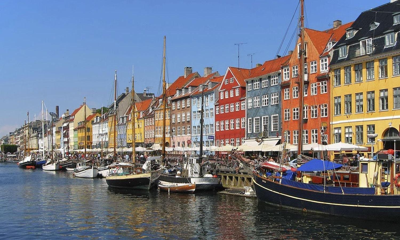 Ver la ciudad,Actividades,Visitas en barco o acuáticas,Actividades acuáticas,Crucero canales de Copenhague,Barco turístico