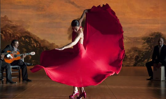 Flamenco tour in Seville with show