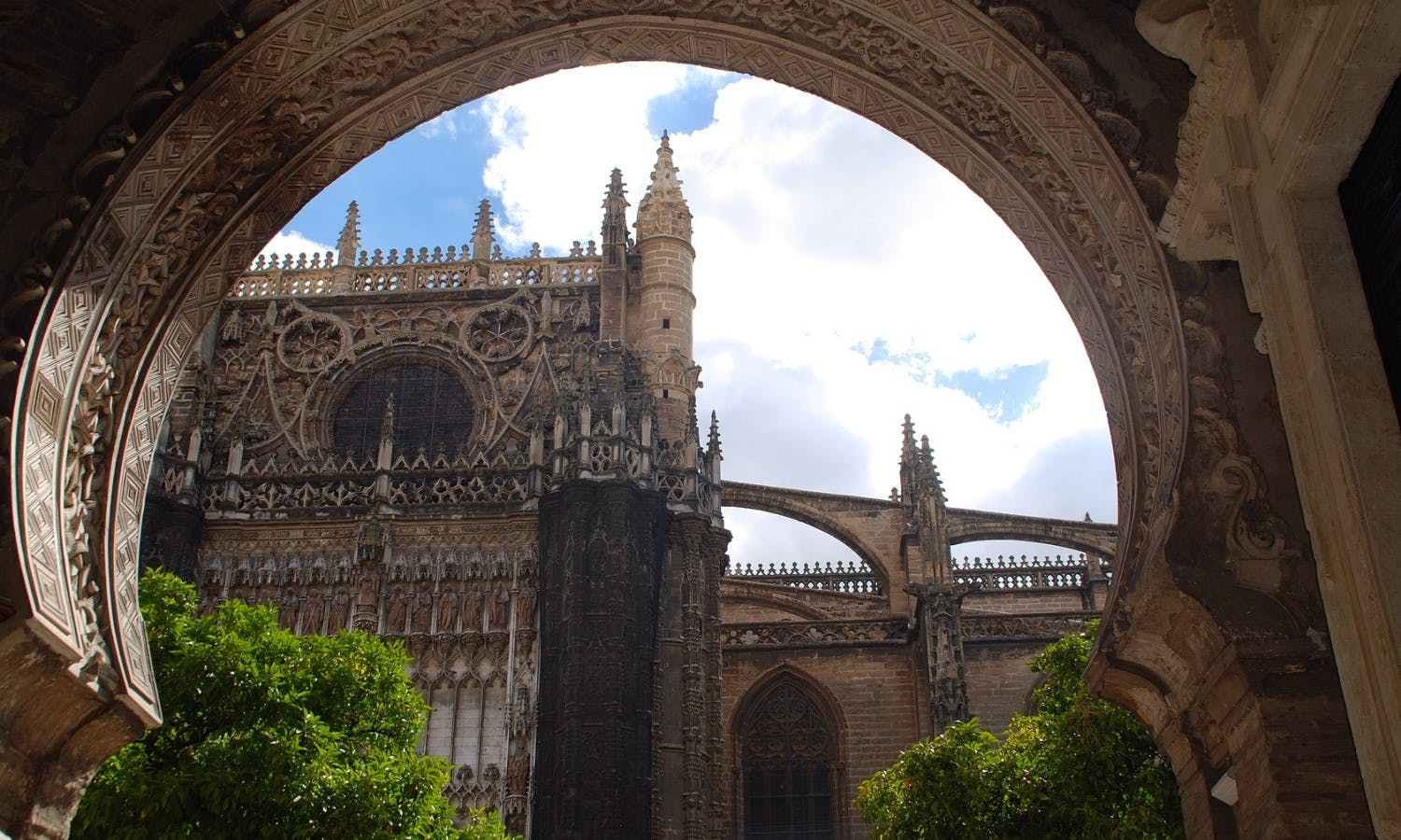 Seville Cathedral and Royal Alcázar skip the line tickets and private tour