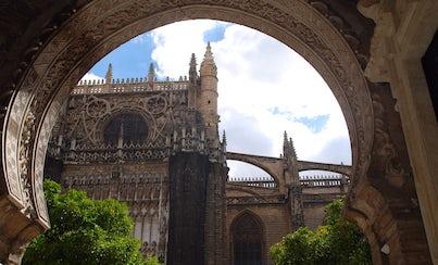Ver la ciudad,Tickets, museos, atracciones,Tours andando,Entradas a atracciones principales,Catedral y Giralda,Real Alcázar