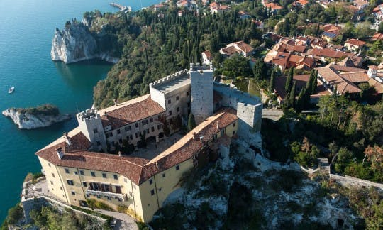 Tour of the castles and caves of Trieste