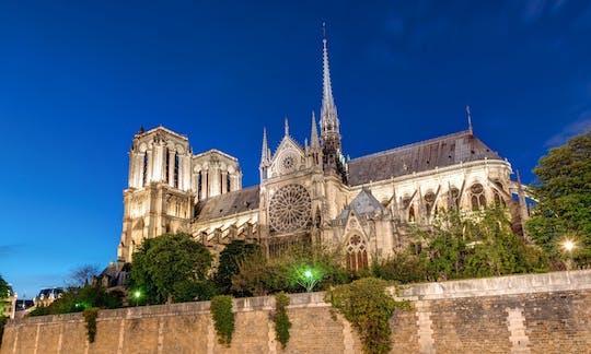 Tour gratuito de las leyendas y misterios de París por la noche