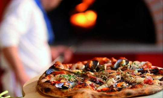Pizza masterchef in Naples: be a pizza maker for the day