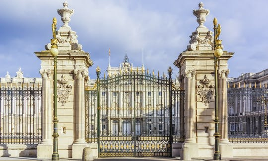 Visita privada al Palacio Real de Madrid con un guía local