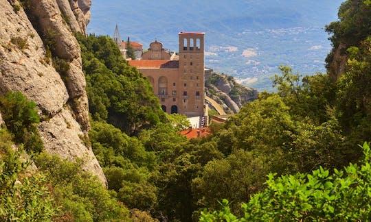 Visita guiada a Barcelona de Montserrat com tapas e degustação de vinhos