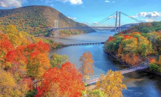 Crucero por el follaje otoñal del río Hudson