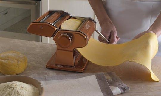 Clase tradicional de cocina casera en Milán