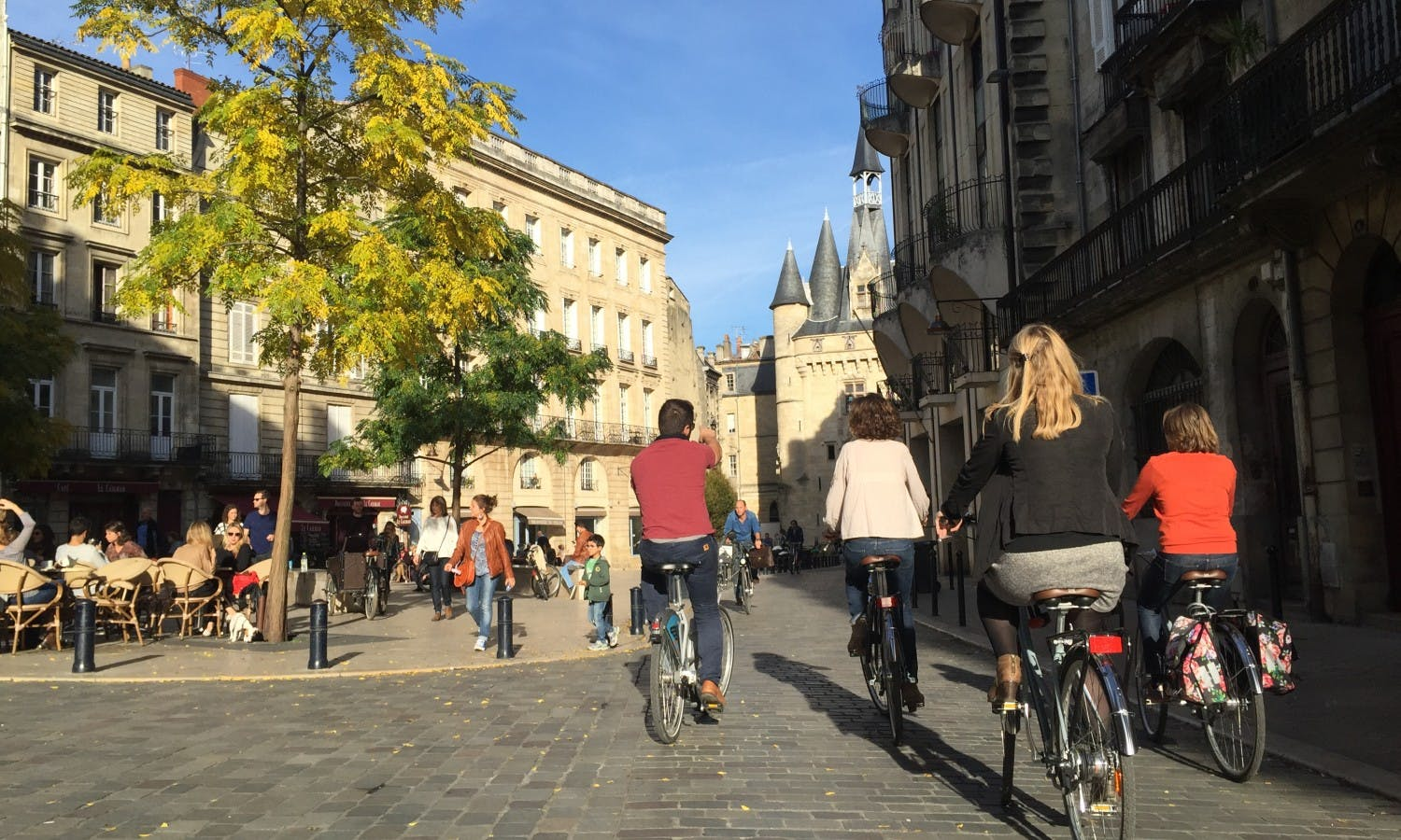 Afternoon bike tour in Bordeaux